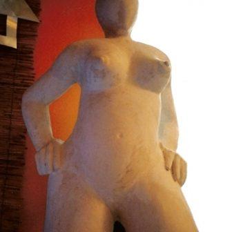 A, sculpture de Vivien Lacueille